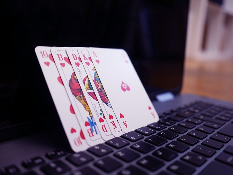 What you Should Never Do When Gambling Online